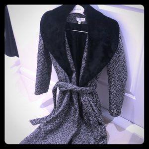 Gorgeous stunning wool coat size 4